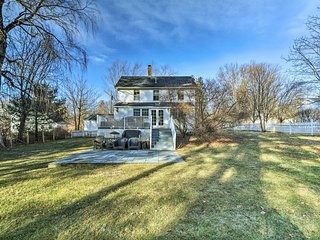 Unwind at this 3-bedroom, 2-bathroom vacation rental house in Litchfield!