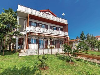 Spacious apartment in the center of Lovran with Parking, Internet, Washing machi