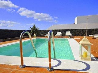 3 bedroom Villa in Playa Blanca, Canary Islands, Spain - 5700514