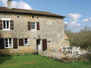 2 bedroom Villa in Beaulieu-sur-Sonnette, Nouvelle-Aquitaine, France - 5565591