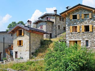 2 bedroom Villa in Cavia, Lombardy, Italy - 5715648