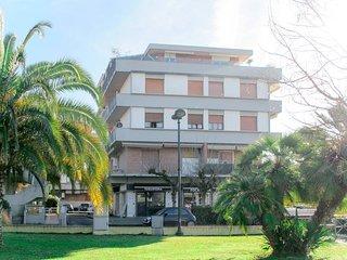 2 bedroom Apartment in Marina di Carrara, Tuscany, Italy - 5738938