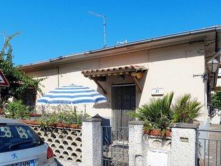2 bedroom Villa in Castiglione della Pescaia, Tuscany, Italy - 5715381
