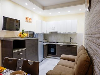 Seiano Apartment Sleeps 5 with Air Con and WiFi - 5737709