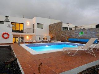 5 bedroom Villa in Playa Blanca, Canary Islands, Spain - 5700398