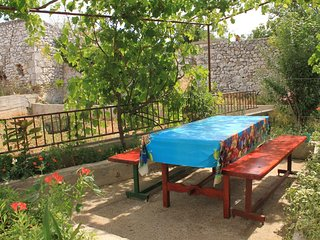 Ugrinici Apartment Sleeps 8 with Air Con and WiFi - 5468059