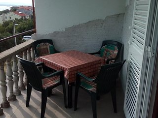 Ugrinici Apartment Sleeps 4 with Air Con and WiFi - 5468055