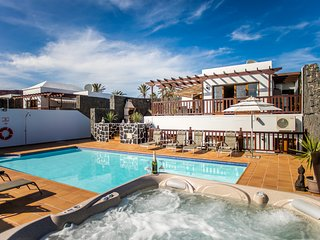 atlantico: Luxury villa with private heated pool and jacuzzi 18