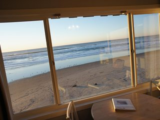 Sands to Reason -Incredible views, right on beach!