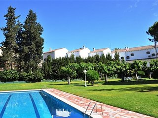 SUITUR APARTMENT WITH POOL AND TENNIS COURT