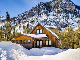 Remodeled Frisco Cabin, Close to Main Street – Hip Updates Throughout