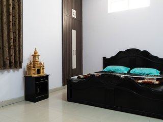 Spacious and Bright Flat in The Walled Pink City
