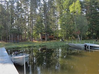 Gorgeous, newly remodeled 4 bedroom cottage on Meta Lake!