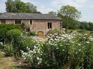 Luggs Barn -A Holiday with History!