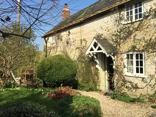Listed Cottage in rural West Dorset