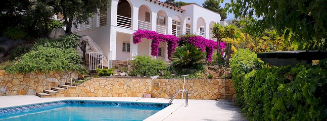 BUGANVILLA - COZY AND COMFORTABLE - Beautiful house with private pool