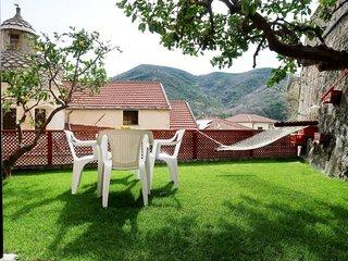 2 bedroom Apartment in Tovo San Giacomo, Liguria, Italy - 5715569