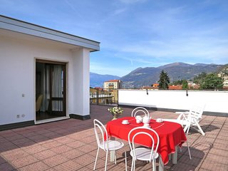 2 bedroom Apartment in Luino, Lombardy, Italy - 5715483