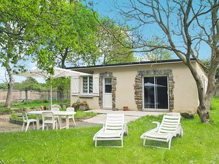 2 bedroom Villa in Kermaquer, Brittany, France - 5650167