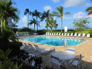 Estero Beach & Tennis 307A - Free WiFi, Resort Pool & Beach Access