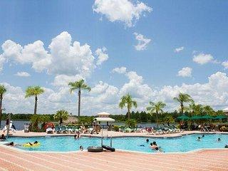 Clermont 2BR w/ 5 Resort Pools, Free Parking, Free WiFi & Only 7 Mi. to Disney