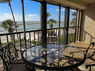 Eden House 206 - Free WiFi, Resort Pool, BBQ & Beach Access
