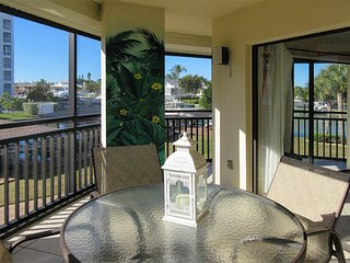Harbour Pointe North 127 - Free WiFi, Resort Pool, Pier & Beach Access