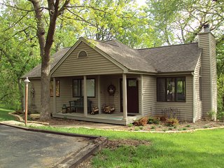 Lovely Home w/ Fireplace, Double Screened Porch & Large Bi-Level Decks
