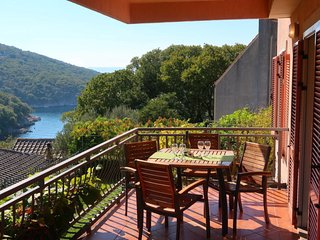 2 bedroom Apartment with Air Con, WiFi and Walk to Beach & Shops - 5702302