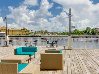 Laketown Wharf 414