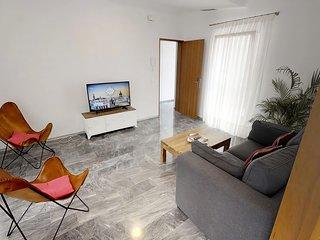 Sevilla Luxury Rentals - Horno Santa Cruz V