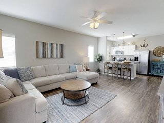 NEW LISTING!  Beautiful 5 Bedroom-4 Bath Townhome, Walking Distance to the Beach