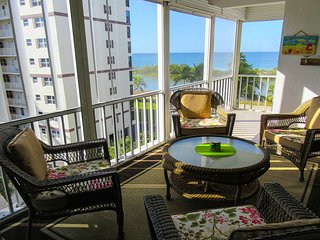 Island Reef 504 - Free WiFi, Private Lanai, Resort Heated Pool & Beach Access