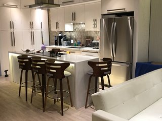 Brand New Modern Flat in the Gates of the Omni La Costa Resort