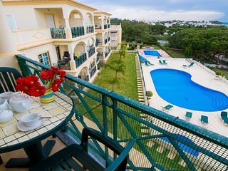 2 bedroom Apartment with Pool, Air Con and WiFi - 5718938