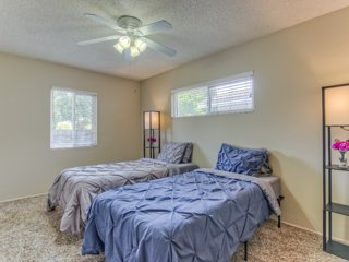 Temple City Private Room/Shared Bath Room B