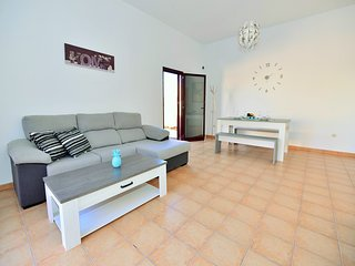 Villa Sun N Fun 4/private terrace with pool/free wifi/satellite TV/ parking