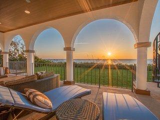 Coastal Elegant Ocean & Beachfront Vacation Home with pool, Vero Beach, Florida