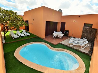 Villa Sun N Fun 8/ private terrace with pool/ free wifi/ satellite TV/parking