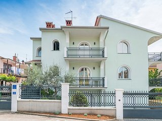 Cozy apartment in the center of Umag with Internet, Air conditioning, Balcony
