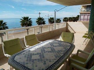 Playa centro Villajoyosa, Primera línea
