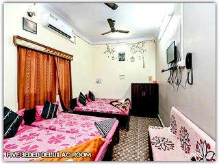 Mansarovar Guest House,Near Mahakal Temple,Ujjain