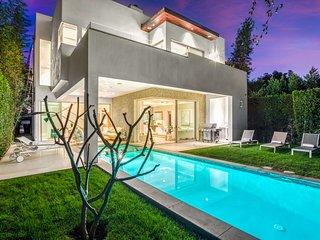 Melrose Getaway w/ Pool, Hot Tub & Grill