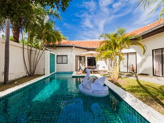 4  bedroom Pool Villa  200 m to The Beach