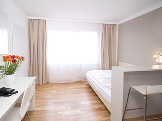 Serviced Apartment inkl. kostenlosem WLAN, 2-wöchiger Reinigung und Parkplatz