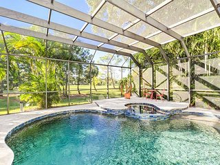 Luxuriy Home w/ Heated Salt Water Pool & Hot Tub - Near Beaches & Downtown