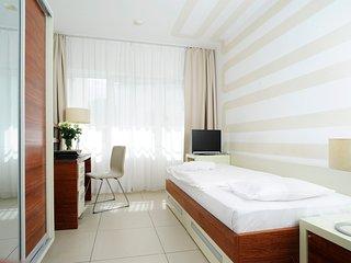 Mobliertes Serviced Apartment inkl. WLAN, Reinigungsservice und Stellplatz
