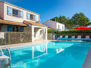 Le Pavot -  Large Beach Villa with Large Mature Garden and Private Heated Pool
