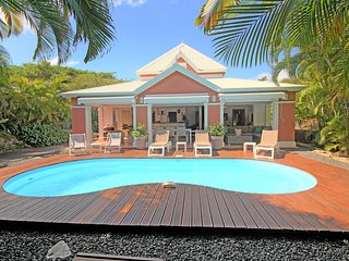 Villa with pool 800m from the sea (GPSF45)