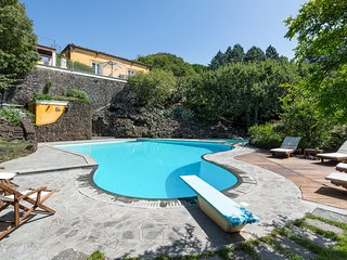 3 bedroom Villa with Pool and WiFi - 5745812